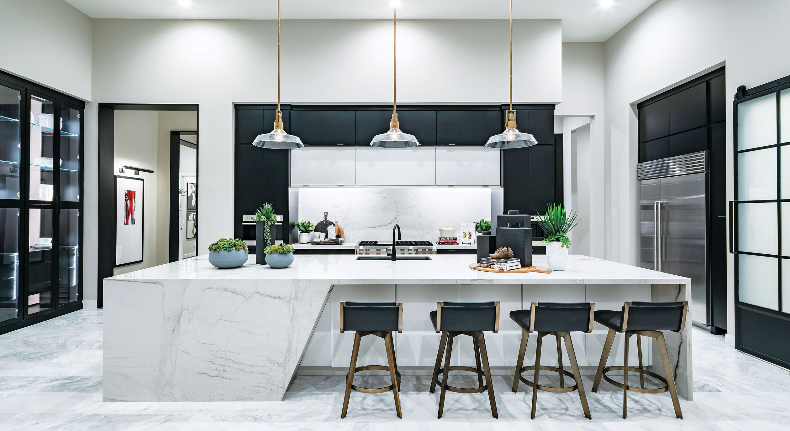 Sereno Canyon decorated model of large kitchen