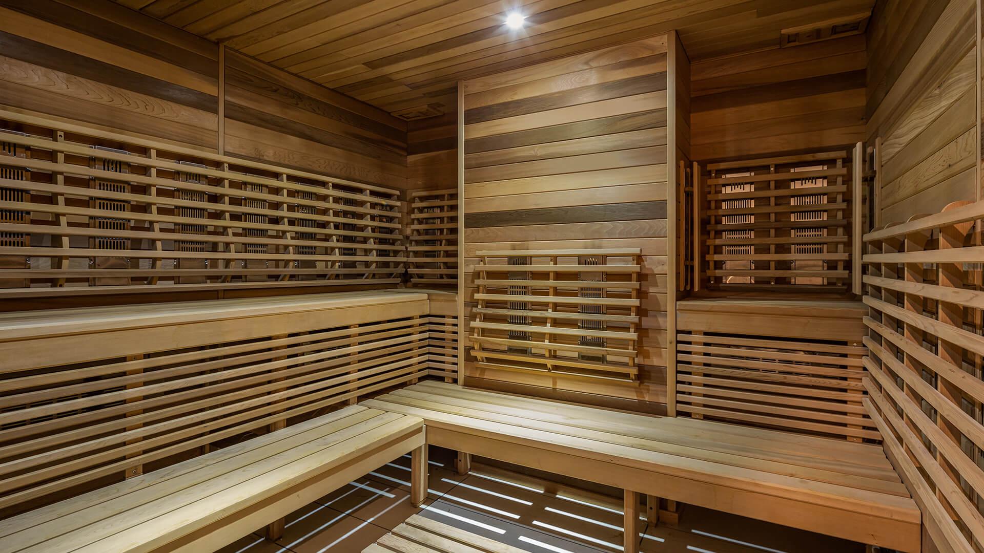77 Charlton Sauna