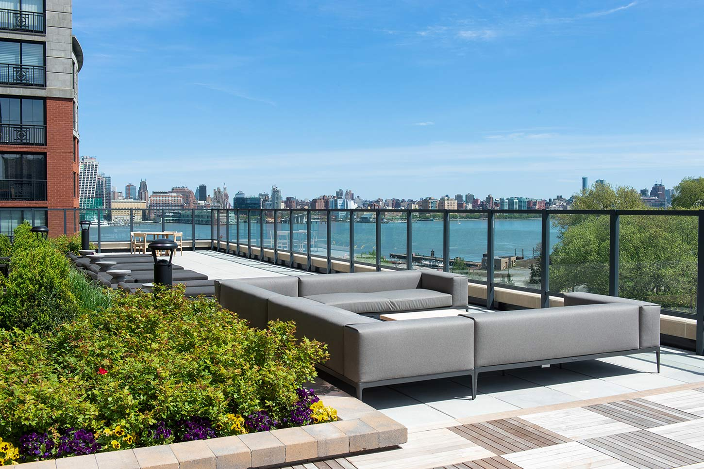 Sundeck of 1000 Maxwell Place
