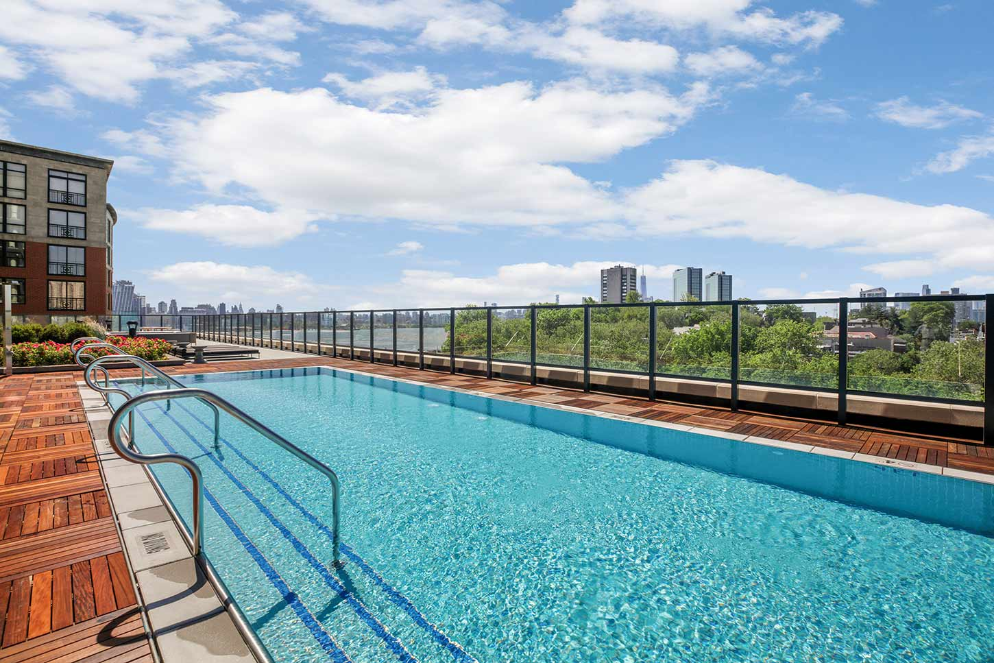 1000 Maxwell Place Rooftop Pool