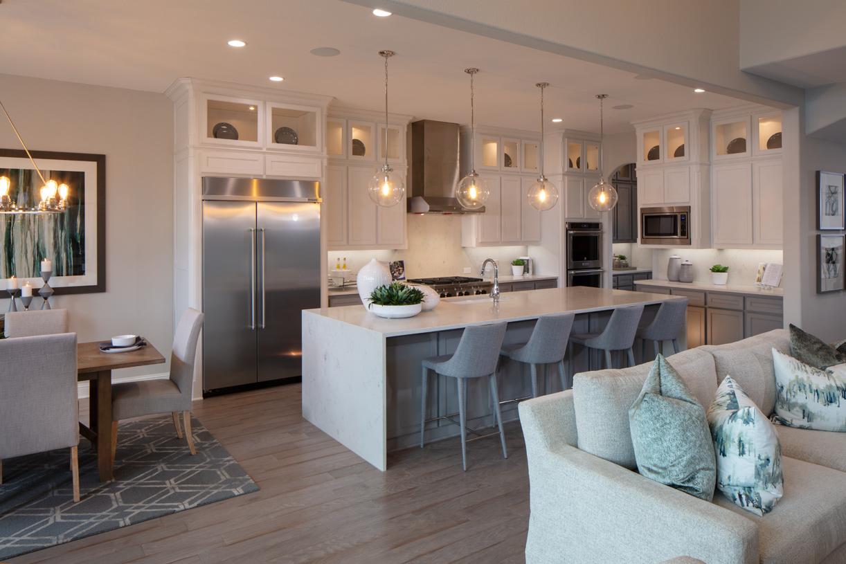 Spectacular kitchen with large walk-in pantry and center island