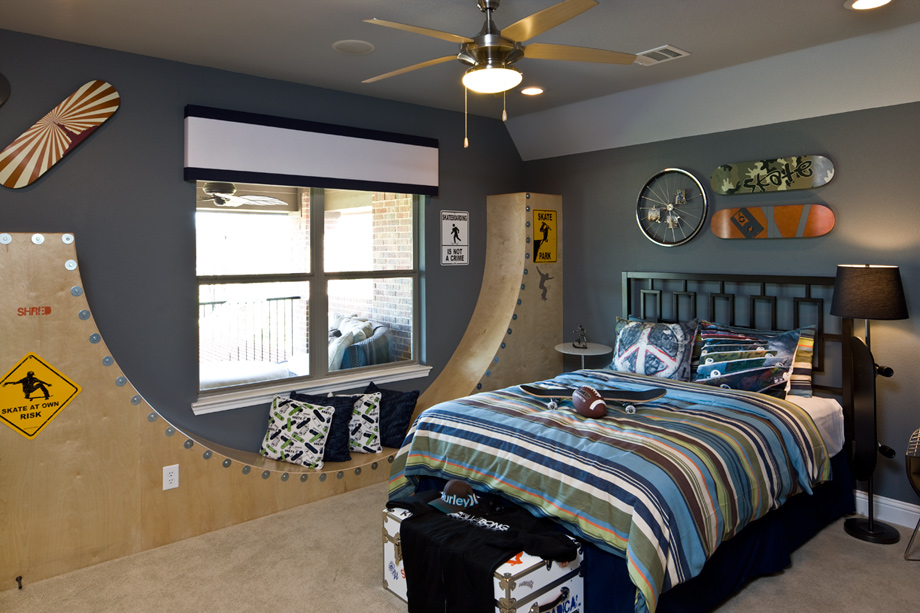 Whittier heights the cartegena home design for Brothers bedroom ideas