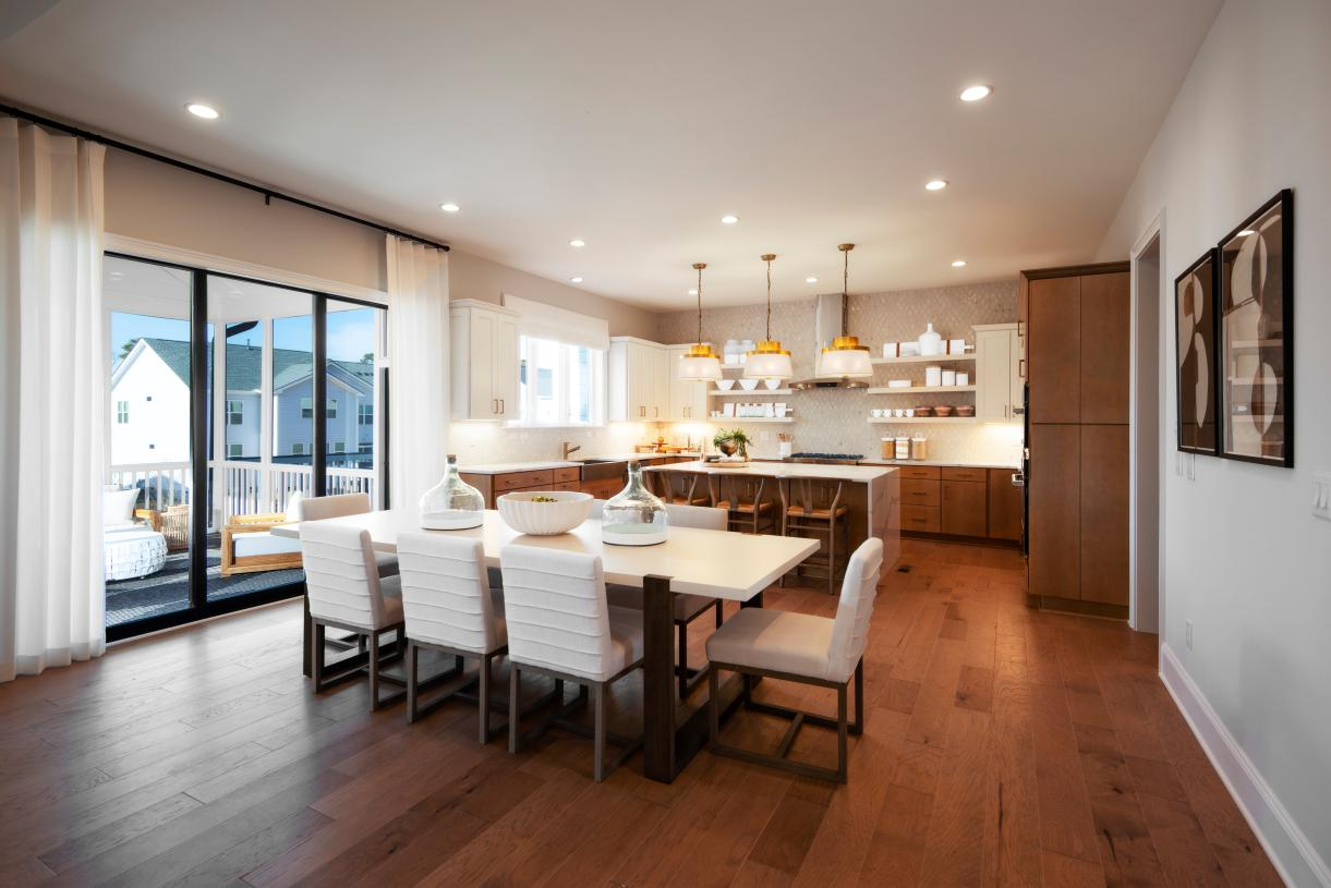 Spacious Kitchen with Casual Dining