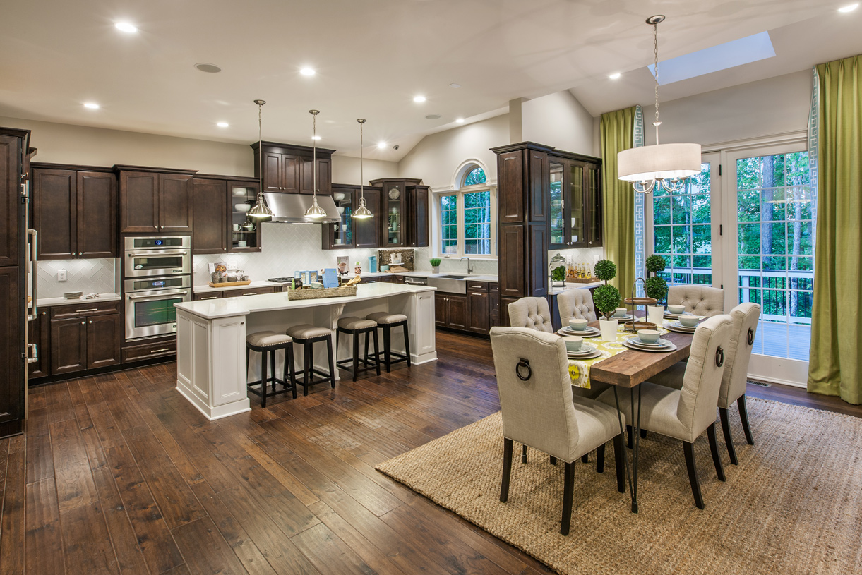 Spacious kitchen and casual dining area