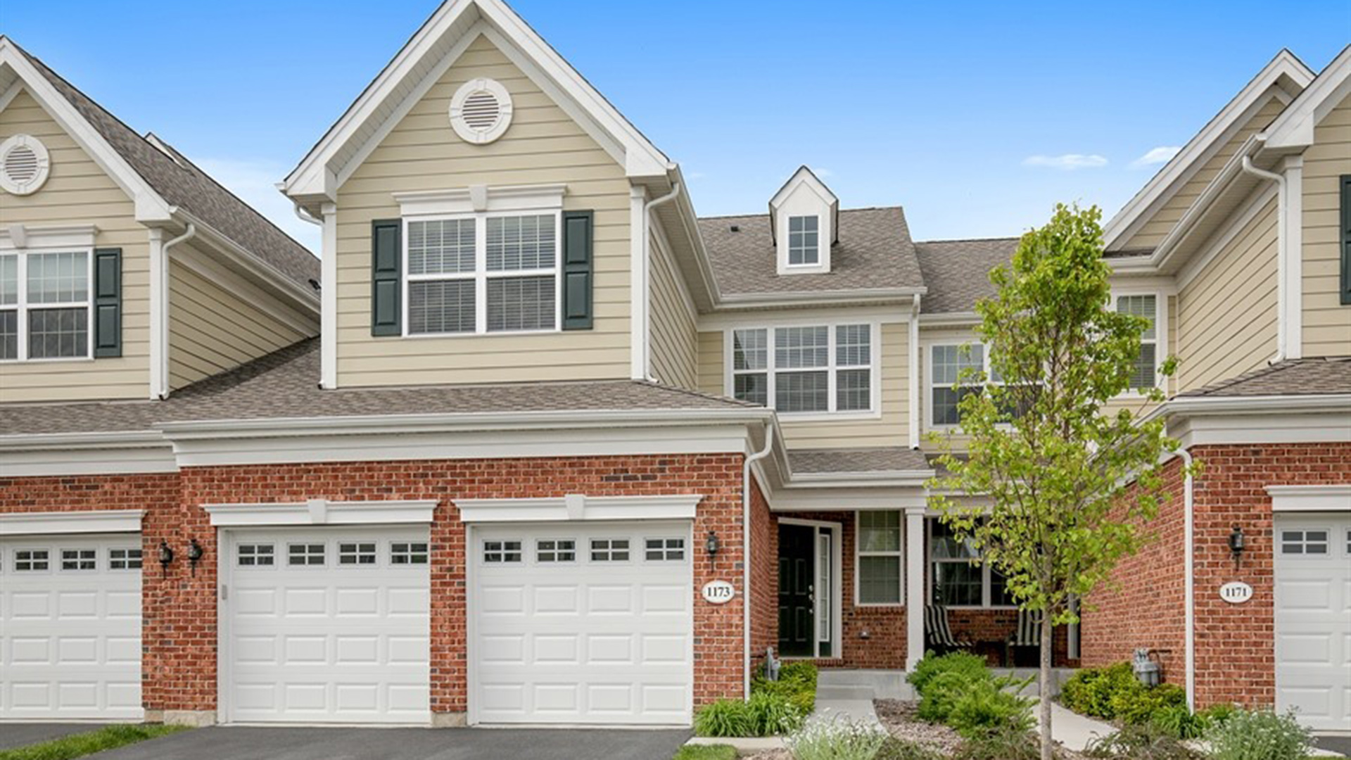 Bowes creek country club the townhome collection quick for Classic home collection