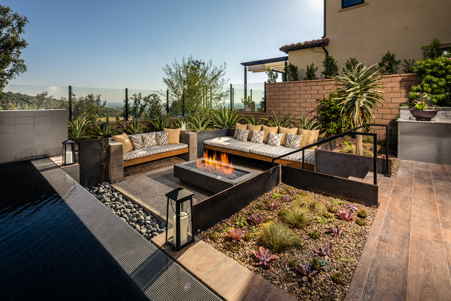 Bella vista at orchard hills the lusso home design for Luxury outdoor living spaces