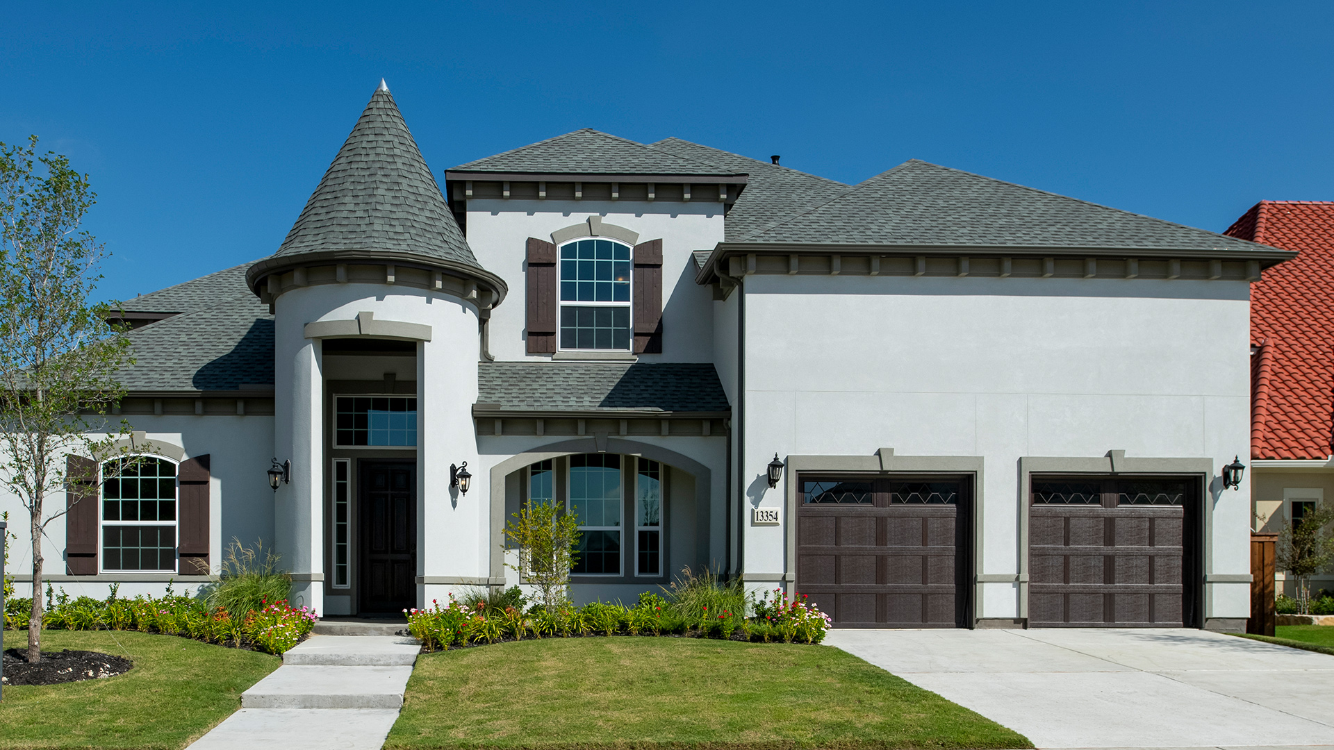 Highly desired stucco exterior