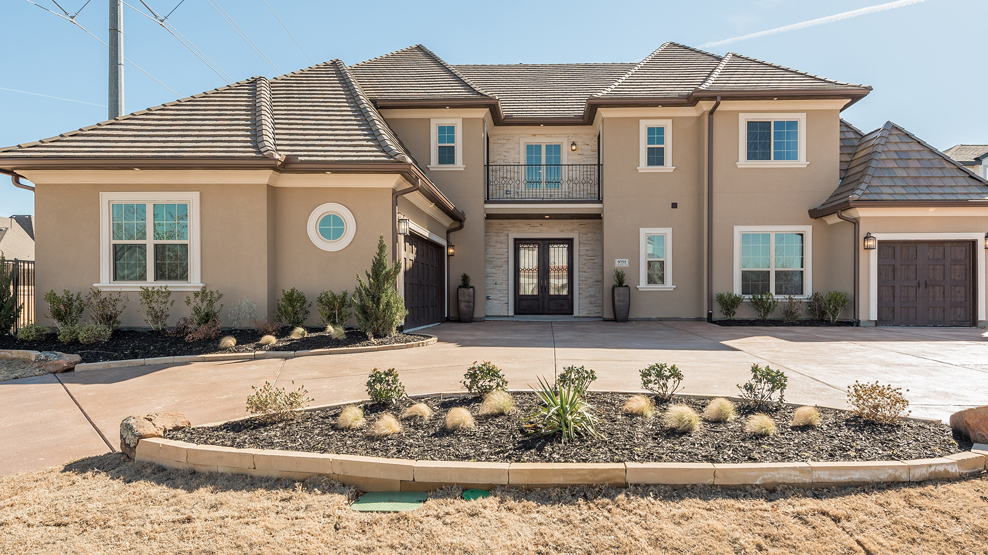 The Montpellier Versailles - Available for Immediate Move-In
