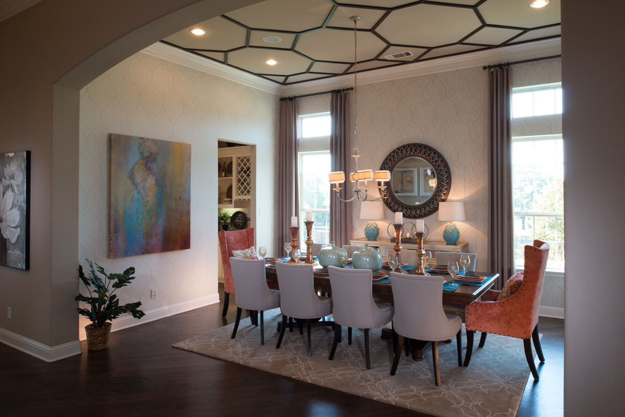 Formal dining room with optional tray ceiling