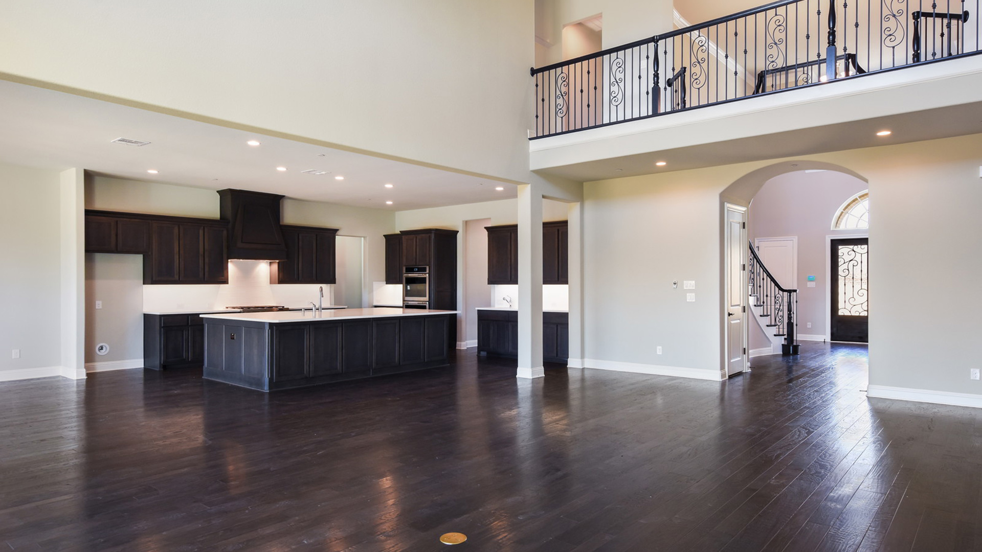 Home Design: Southlake Meadows Quick Delivery Home
