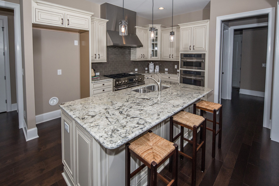 The enclave at longview quick delivery home st anthony for Kitchen 17 delivery