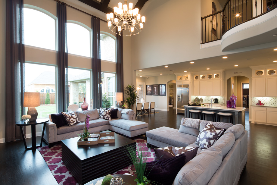 Sienna plantation village of sawmill lake fox bend for Living room photo gallery