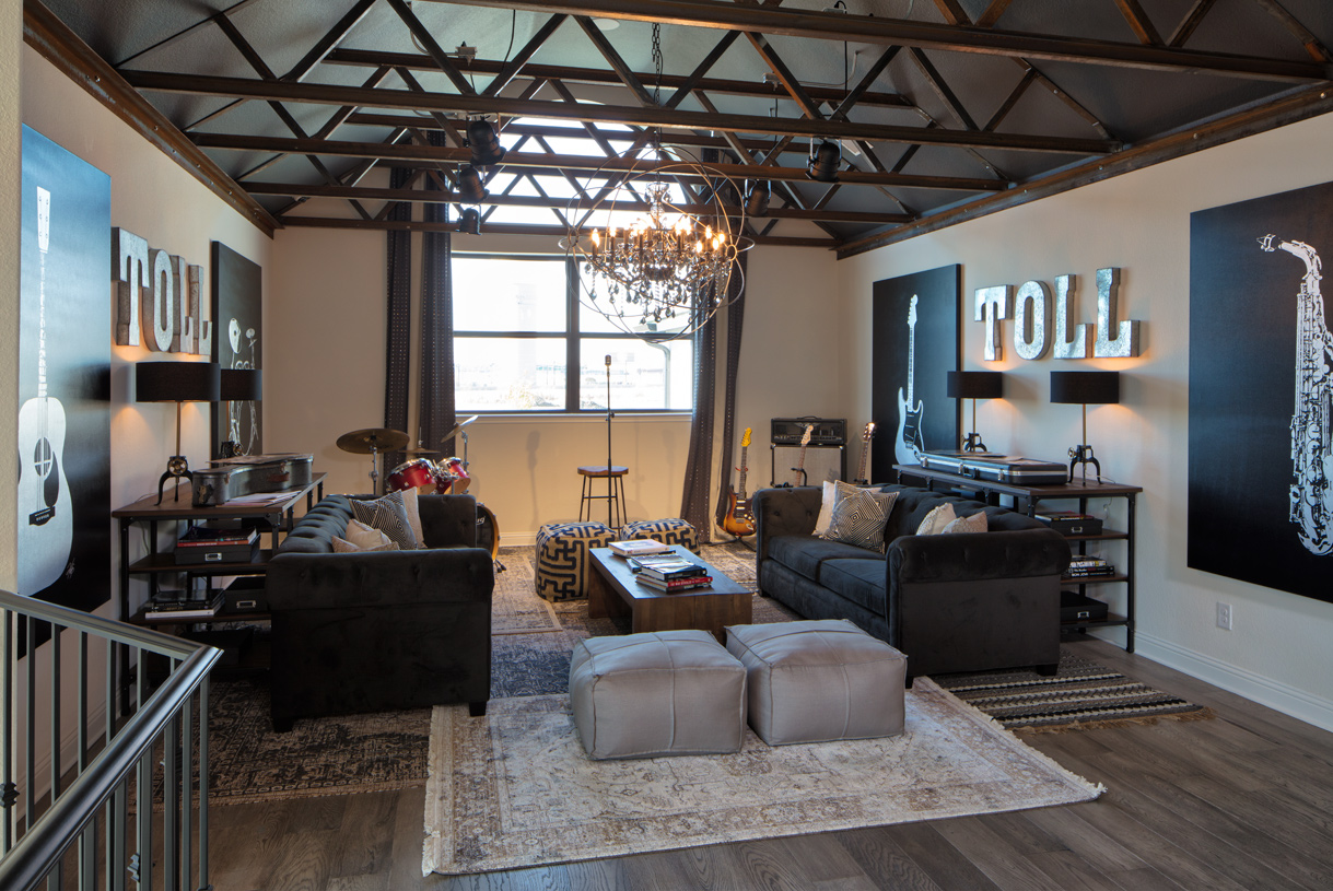 Enormous flex room with vaulted ceiling