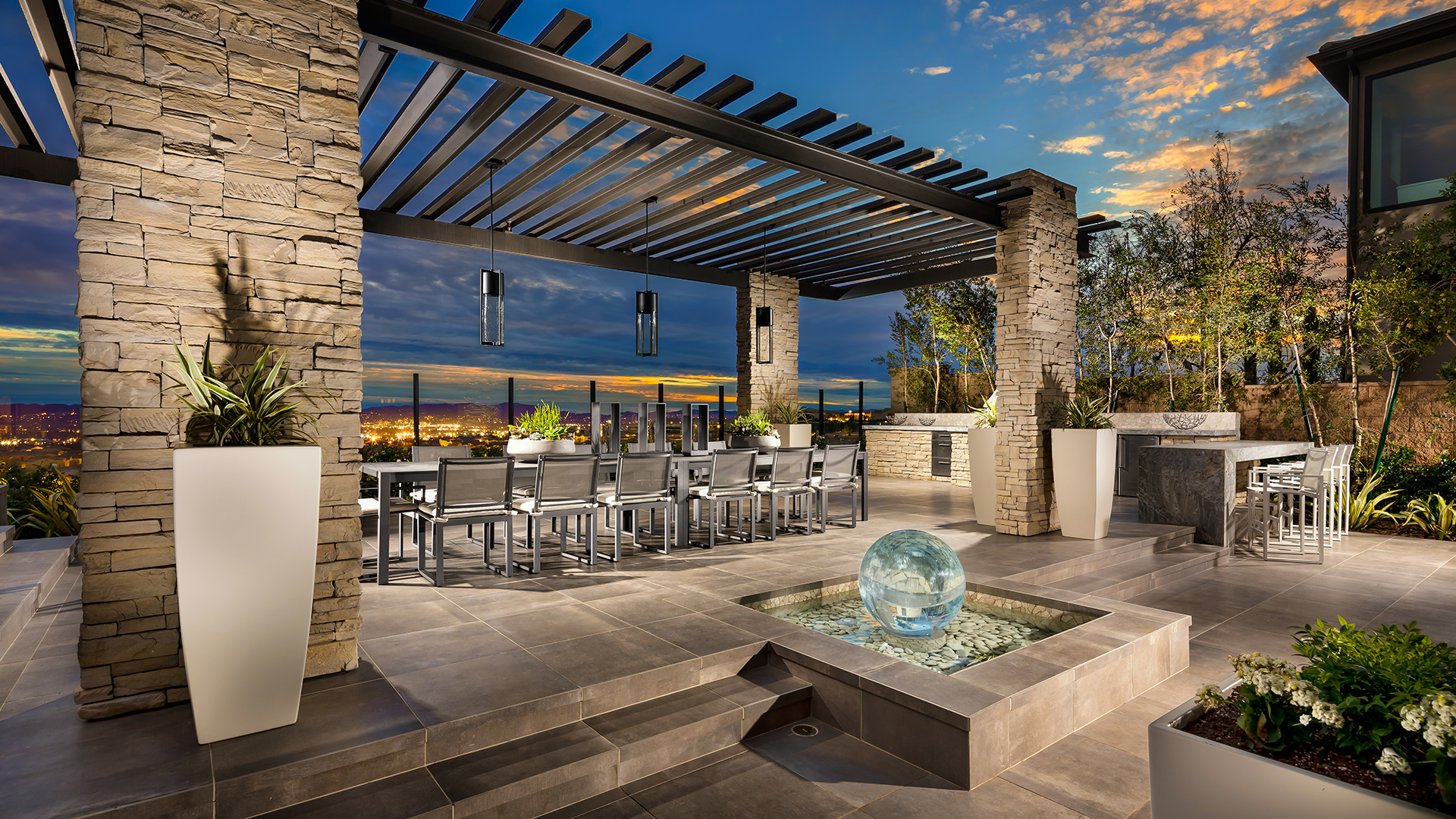 Luxury outdoor living space on Exclusive Outdoor Living id=14077