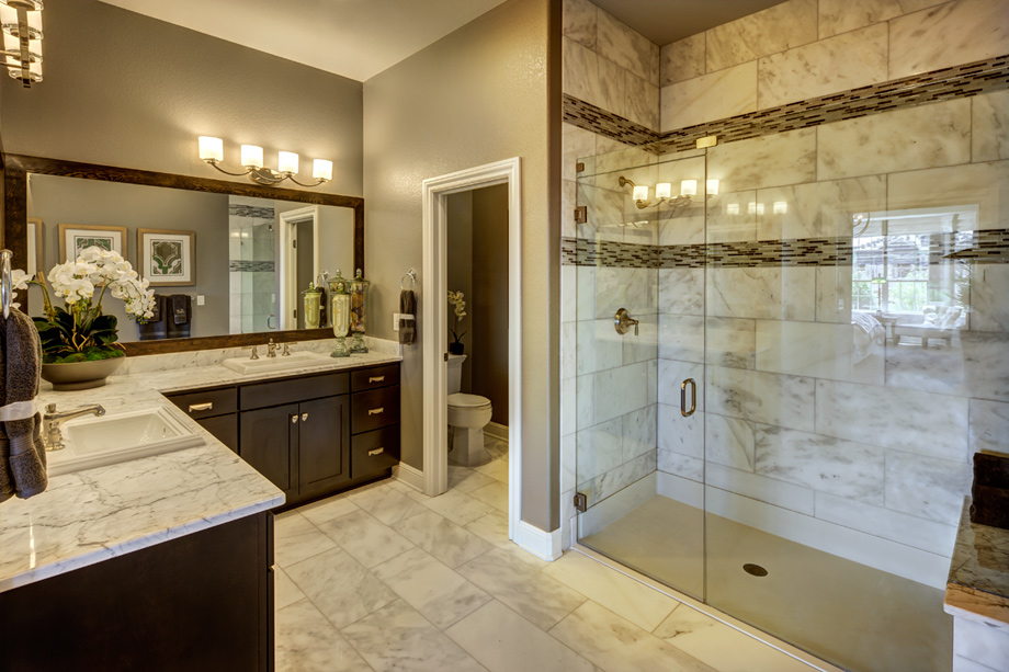 New luxury homes for sale in broomfield co anthem ranch for Model home bathroom photos