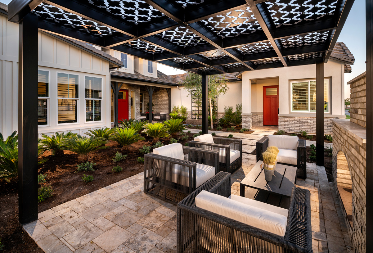 Front yard courtyards for front yard living
