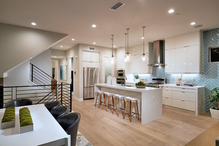 Open kitchen with large center island